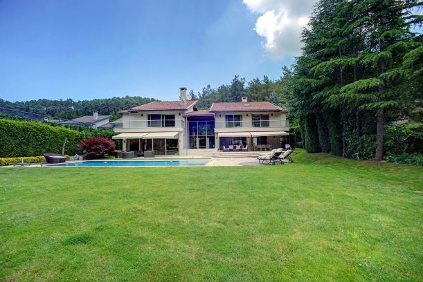 Unique Luxury Villa for Sale in İstanbul